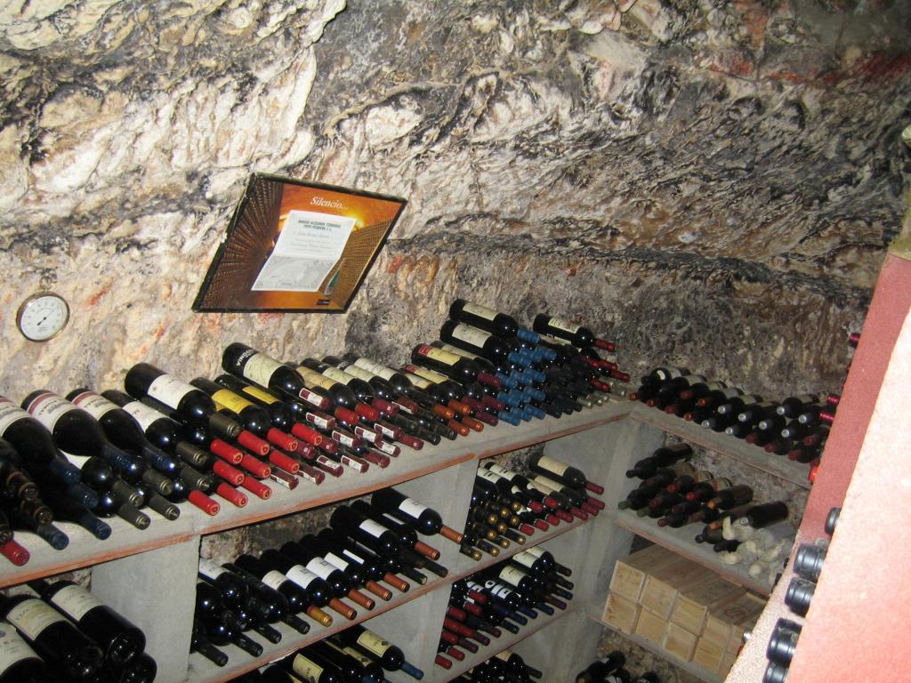 Carta de vinos muy variada