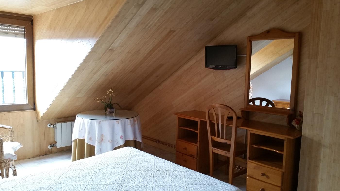 habitacion con baño en Sepúlveda